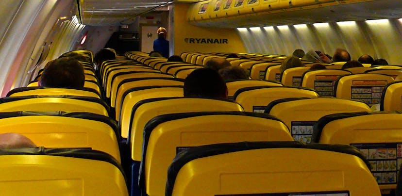 Ryanair separara casais e grupos de propósito para obrigar ao pagamento da reserva de lugar