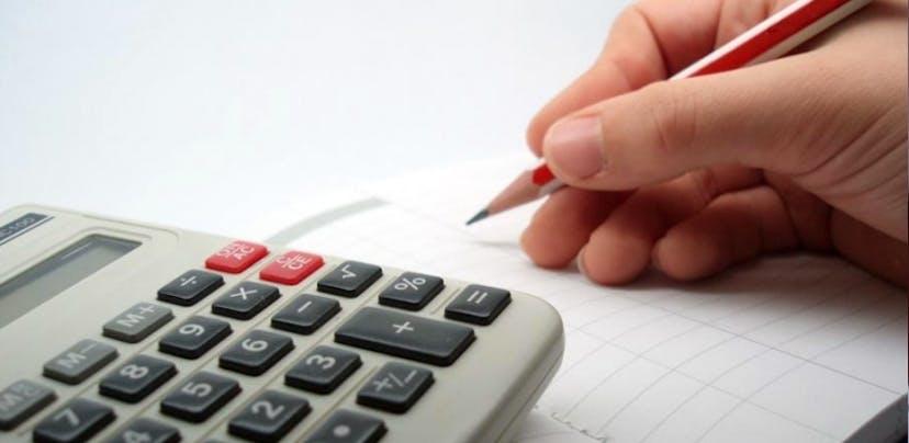 Contas bancárias com saldo negativo deixam de pagar comissão